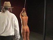 Порно старая и молодая бабы ебутся с одним мужиком