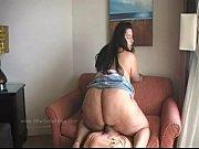 Видео толстые бабы сцют в рот мужикам