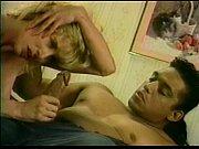 Русские нд качества порноролик дочка мастурбирует при своей мамаше