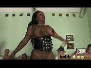 Лисбиянки труться клиторами видео