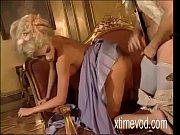 Домашнее видео мастурбирует пальчиками