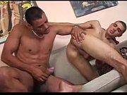 Brasileiro come o cu do primo gay