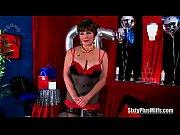 Красный педикюр порно лесбиянок