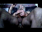 Видео рукой довели до жуткого оргазма