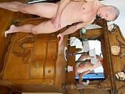 1ние пацаны делают массаж зрелым женщинам