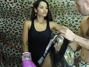 девка показывает матку порно видео