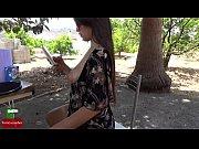 Видео мастурбации в шортиках