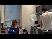 Порно ролики пятиминутки инцест мать дрочит сыну член