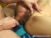 Порно зрелые мамки с молодыми парнями