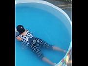 Видео мужчина делает женщине фистинг