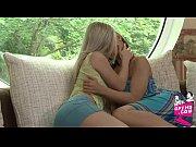 Видео с лесбиянками с наручниками