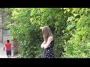 Видео девушка трахает девушку своим членом