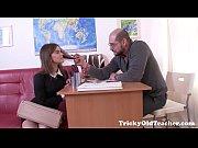 Русские девушки застовляют парней лизать пизду в контакте