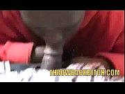 Видео порно огромные предметы в влагалище