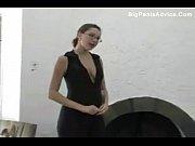 Видео мама заходит голая к сыну
