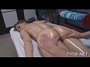 Молодые подружки занялись мастурбацией