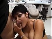 глубокая глотка мамаша мастурбирует мамка мастурбирует глубокий минет мама порнозвезда прекрасная мама мама мастурбирует брюнетка с глоткой брюнетка мастурбирует минеты от брюнеток мама брюнетка фото 3