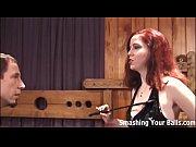 Секс жена ходит голой дома перед мужем видео