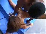 Пьяный отец трахнул свою дочь на полу