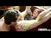 Порнография онлайн зрелую скромницу ебет баба с хуем