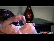 Сестра делает массаж порн