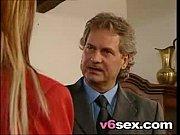 Порно видео папа драхнул дочь и подружки в голливуде