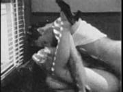 Секс в мужа и жены и к ним присоединяется горничная видео