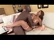 Жена жестока трахаится перед мужем
