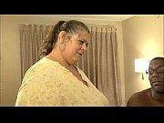 Тетя делает массаж племяннику и секс видео