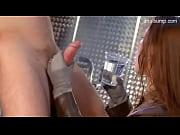 Два зека ебут охранницу порно видео