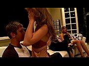 порно видео блондинка сосет по самое горло смотреть