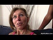 Видео женщина кончает с выделением