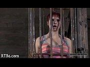 Жестокая парнуха привязанным и заклееным в клетки
