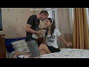 Жена издиваеися над мужом перед любовника