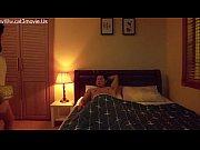 Парень трахает а подруга застала его в постели порно видео