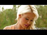 Зрелая русская мама сосет у сына порно видео