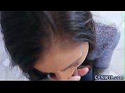 Видео мать смотрит как дочь себе дрочит