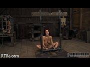 Секс порно сначала соблазнила своими грудями а потом развила на секс видео