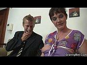 Мама и син на острив порно филм