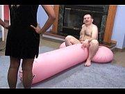Рыжая русская кончила во время съемок видео