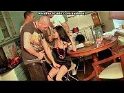 Порно видео парень и мама с дочкой