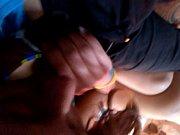 Девушке суют большой огурец в пизду видео