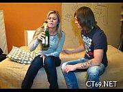 мать дрочит сыну онлайн видео