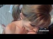 блондинка минет Сперма кончил на лицо домохозяйка мамаша мама оральный маленькая точка зрения реальный жена фото 23
