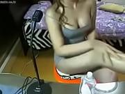 Очен малинкая лезбиянки попке дрочит друг друга перед камери