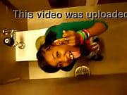 Порно видео мама соблазнила сына дома своим видом