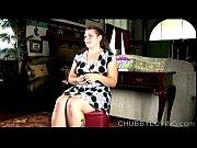 Зрелые лезби лижут и писают в порно видео