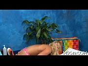 Порно ролик где женщин по очереди имеют много мужчин