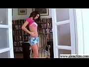 Дрочит перед девушками русское порно видео