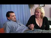 Домашние порно видео россия здоровым хуем ебет карлика